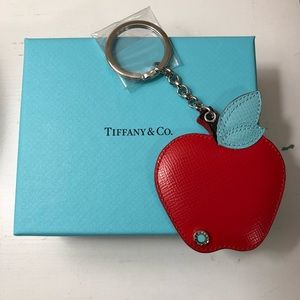 NWOT Tiffany & Co Big Apple Leather Key Ring